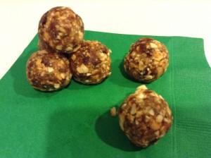 Homemade Larabar Bites