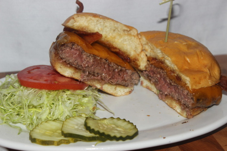 Zinburger Wine and Burger Bar in Boca Raton