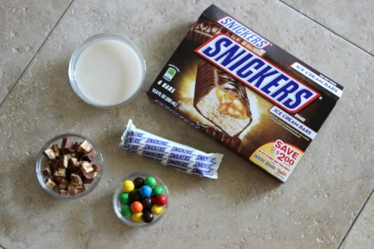 Frozen Candy Bar Milkshake #ShareFunshine #CollectiveBias